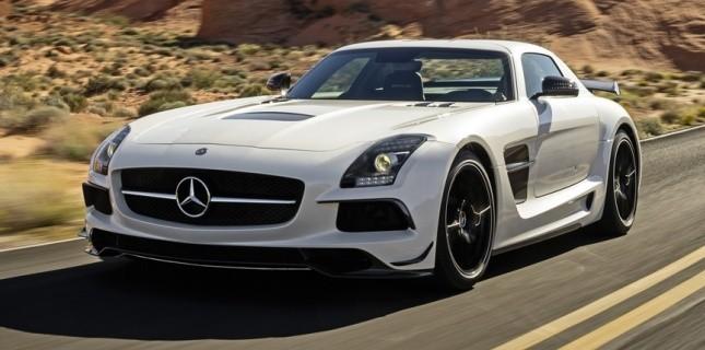 Mercedes-Benz lance une version optimisée de sa SLS AMG, la Black series. Son arrivée sur le marché ...