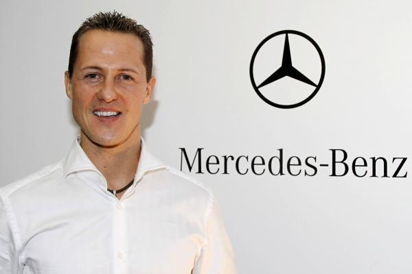 Michael Schumacher continu chez Mercedes pour contribuer au développement de leurs voitures