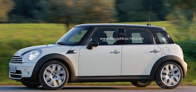 La génération 2013 de MINI aura droit à une version 5 portes. Basée sur la troisième génération, son...