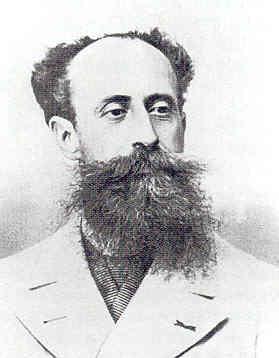 Edouard Delamarre-Deboutteville Implante le premier moteur à quatre temps.