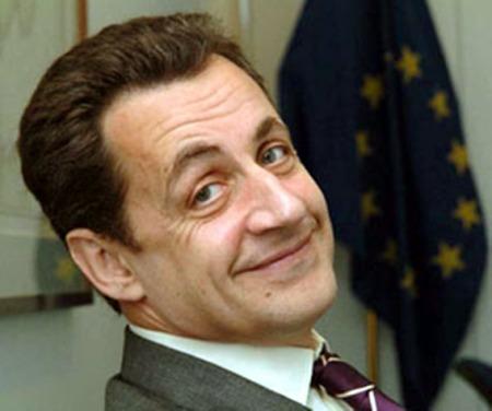 Comment être au dessus des lois et éviter un PV ? (Vidéo) Il faut être de la famille à Nicolas Sarkozy, la preuve en vidéo