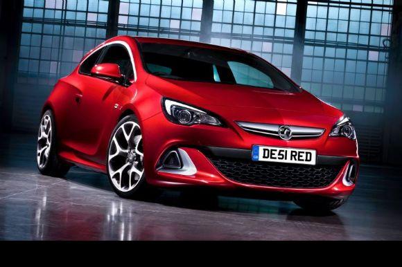 Cette semaine, Opel a dévoilé en version Vauxhall (Opel Angleterre) sa nouvelle OPC.