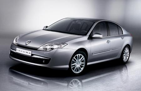 Le 1er engagement de Renault Contrat 2009 est de placer la nouvelle Laguna dans le TOP3 de sa catégo...