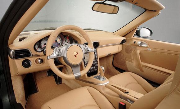 Nouvelle Porsche 911 Transmission robotisée à double embrayage et sept rapports