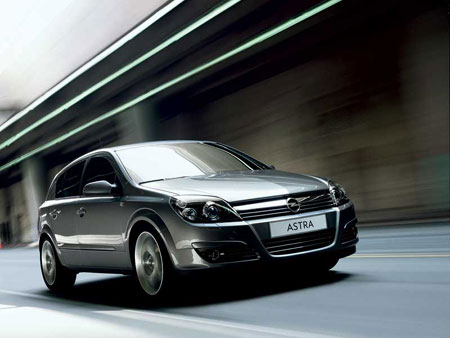 Nouvelle Opel Astra Agilité, stabilité, santé, précision répondent à l'appel