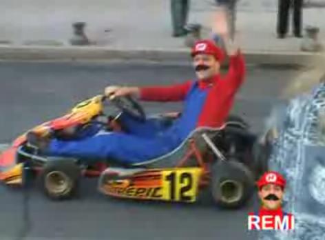 Mario kart dans les rues de la ville (Vidéo)  Attention plus vrai que nature