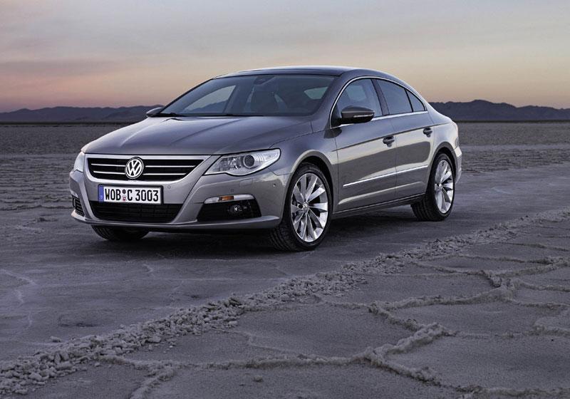 Volkswagen a décidé de proposer un dérivé dynamique de la Passat sous forme de coupé quatre portes. ...