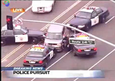 Une mère de famille de 47 ans nargue les policiers en slalomant entre les voitures à sens inverse su...