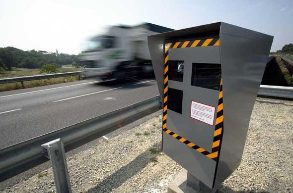 Radars : Une route nationale en Moselle sans limitation de vitesse. Souriez, vous êtes flashé !!!