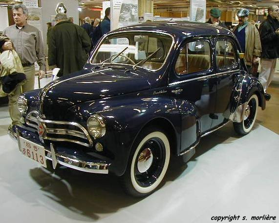 la renault 4cv r1060 n e sous la r volte histoire automobile sur. Black Bedroom Furniture Sets. Home Design Ideas