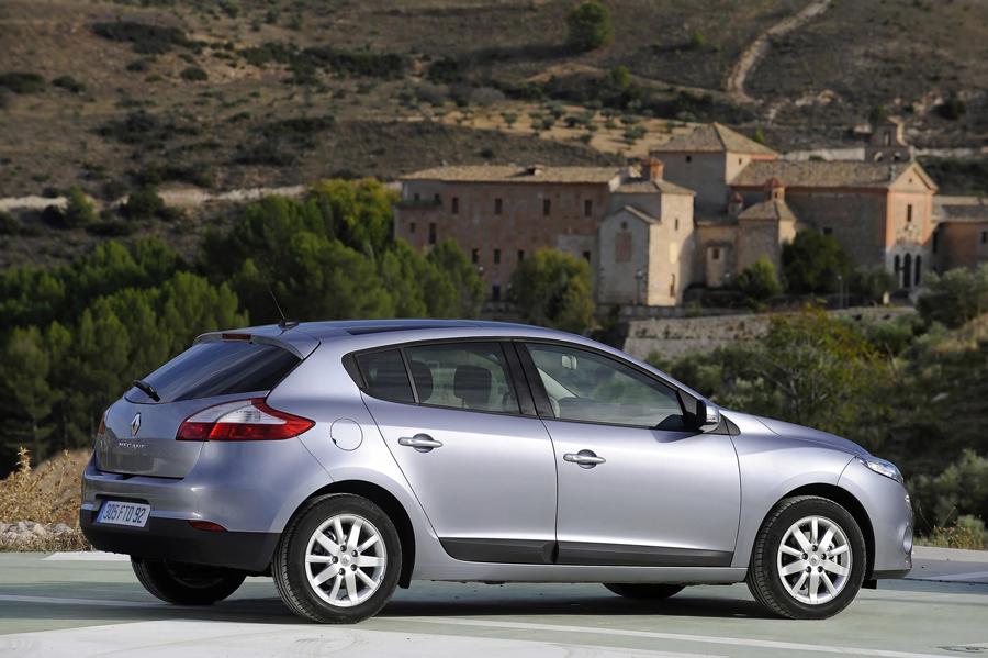 Avec une note de 37 points sur 371 aux crash-tests EuroNCAP, Nouvelle Renault Mégane est le véhicule...