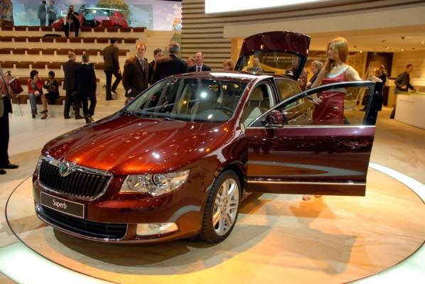 """Résultat de recherche d'images pour """"image Skoda superb salon auto 2008"""""""