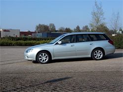 Subaru Legacy Touring Wagon 2.0i A l'intérieur, les qualités des matériaux, de la finition et de montage sont au rendez-vous