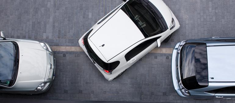 Essai Toyota IQ, la Smart 4 places (Vidéo) Pas le potentiel de personnalisation d\'une Fiat 500 ou d\'une Mini