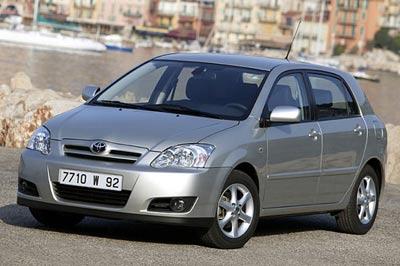 Toyota Corolla  Restylage 2004, un petit air de famille