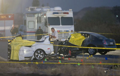 Terrible accident de voiture aux Etats-Unis (Vidéo) Soyez prudent sur la route des vacances