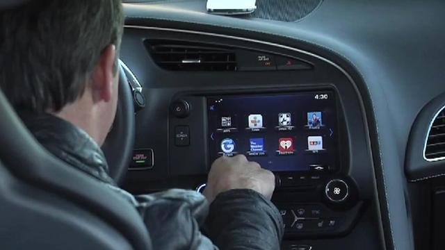 Entre la voiture autonome de Google, la voiture qui se gare toute seule, on peut le dire, l'automobi...