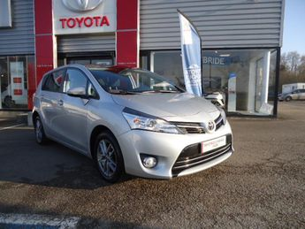 Voir détails -Toyota Verso 112 d-4d fap dynamic à Morlaix (29)