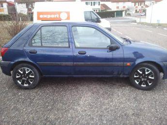 Voir détails -Ford Fiesta 1.8 TDDI à Montbrison (42)