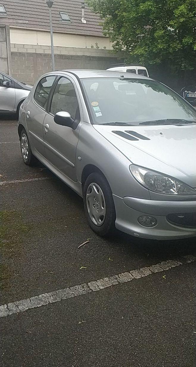 Peugeot 206  grise  de 2006
