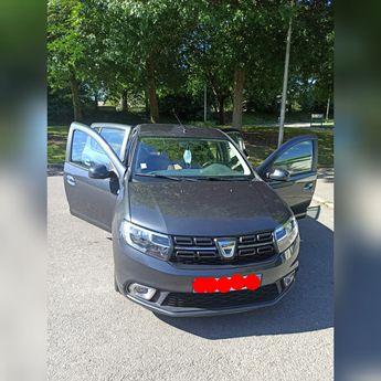 Voir détails -Dacia Sandero  laureate tce 90 URGENT à Thorigné-Fouillard (35)