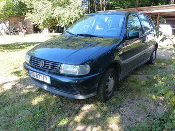 Voir détails -Volkswagen Polo 1997 à Saint-Germain-les-Vergnes (19)