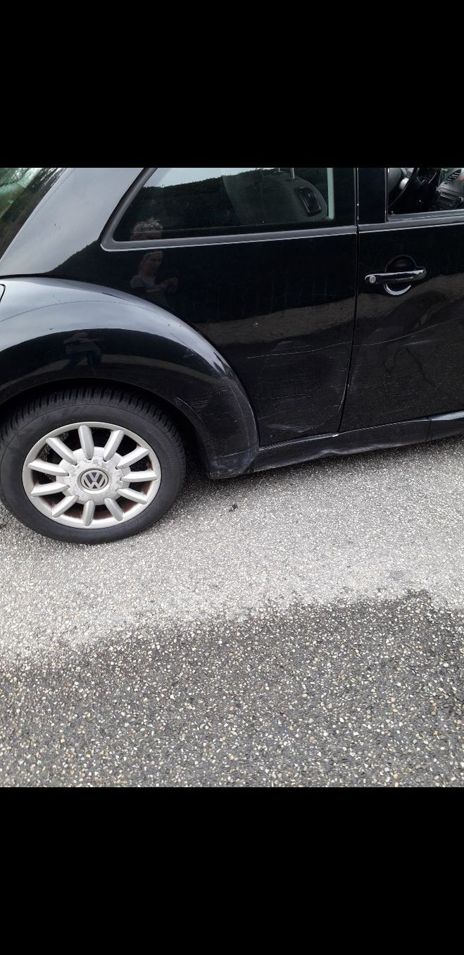 Volkswagen Beetle Newbeetle noir  de 2005