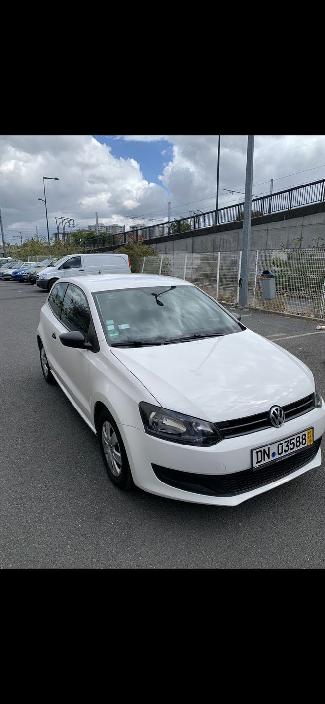Volkswagen Polo  blanc  de 2011