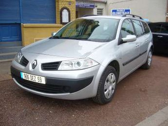 Voir détails -Renault Megane Expression + carminat à Capinghem (59)
