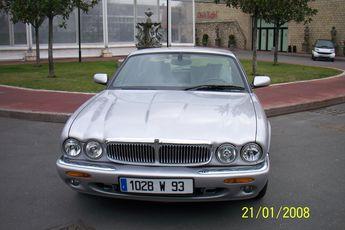 Voir détails -Jaguar XJ 8 SEVERIGN à Aubervilliers (93)